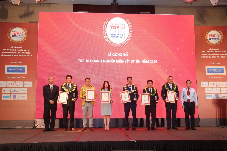 pvtrans duoc vinh danh top 10 doanh nghiep niem yet uy tin nam 2019