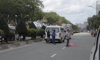 Hai xe ôm công nghệ đâm nhau, một nữ hành khách tử vong