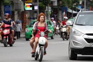 Những hình ảnh vi phạm luật giao thông trên đường phố Hà Nội