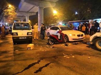 Va chạm với ô tô, nữ giáo viên mầm non bị xe buýt cán tử vong