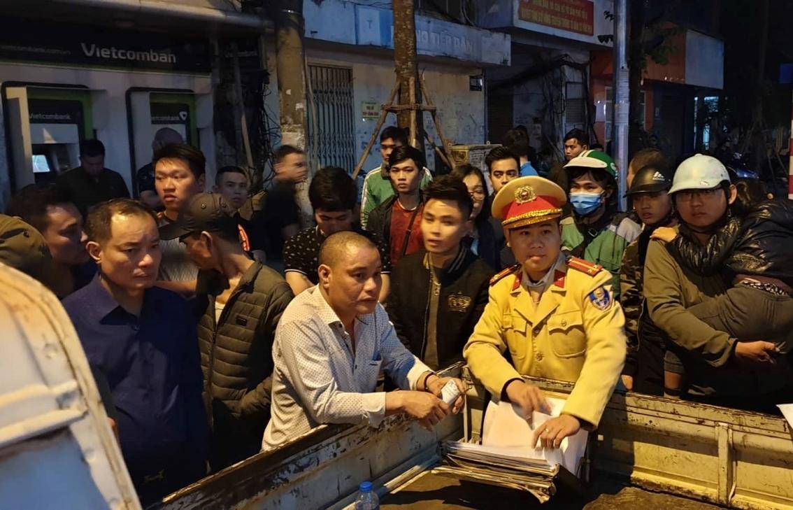 Lái xe ô tô rút dao đâm người sau va chạm giao thông trên đường Nguyễn Chí Thanh là ai?