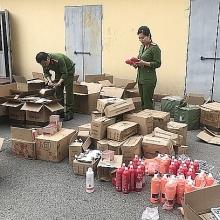 Thu giữ lô mỹ phẩm Trung Quốc nhập lậu