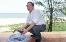 Bộ trưởng Trương Minh Tuấn mời nhà báo ăn hải sản ở Quảng Bình