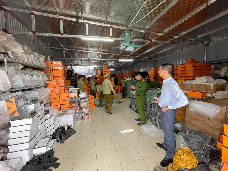 Nam Định: Xử lý hình sự vụ kho hàng giả có tổng giá trị vi phạm hơn 3,9 tỷ đồng