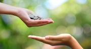 Làm từ thiện - Khó hay dễ?