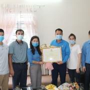Công đoàn TKV khen thưởng thợ mỏ dũng cảm cứu người bị nạn