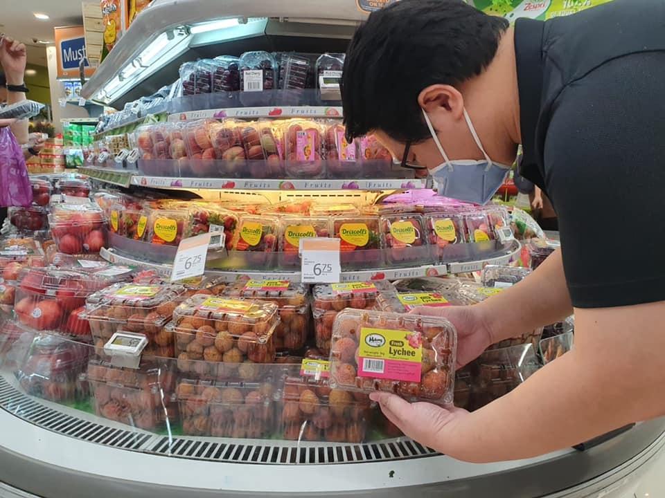 Vải thiều Việt Nam có giá gần 100 nghìn đồng/kg tại Singapore