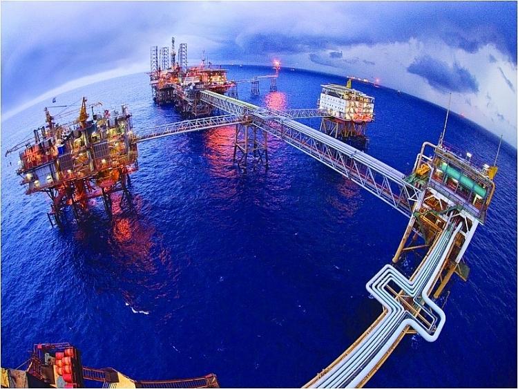 Petrovietnam giữ vững vị trí trong Top 500 doanh nghiệp tăng trưởng nhanh nhất Việt Nam năm 2021