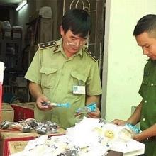 Hà Nội: Thu giữ số lượng lớn bánh kẹo nhập lậu