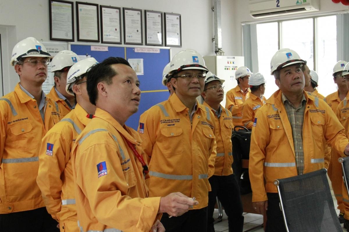 Tổng giám đốc PVN Lê Mạnh Hùng kiểm tra tình hình Trung tâm phân phối khí Tiền Hải