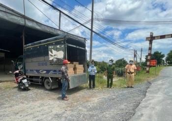 Tiền Giang: Phát hiện gần 2.000 chai phân bón lậu