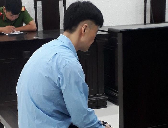ten thu ky nguoi han phan chu tiep tay cho ke trom