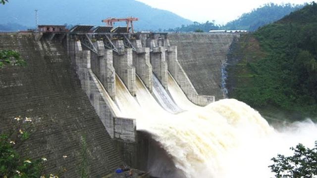 Bộ Công Thương: Thủy điện Đak Mi 4 đang góp phần kìm lũ