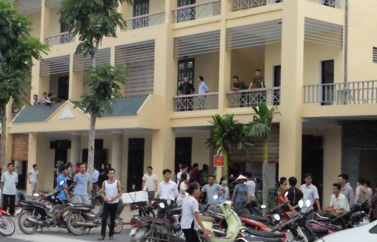Hà Nội: Cháu bé 11 tuổi chết bất thường, dân bao vây bệnh viện
