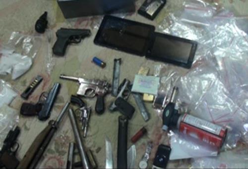 Triệt phá băng nhóm tội phạm nguy hiểm, thu 13 khẩu súng và ma túy