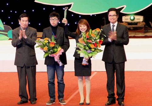 trao giai cho 11 du an xuat sac cuoc thi khoi nghiep 2012