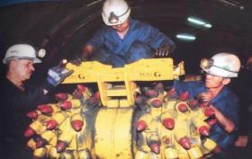 Công ty Than Mông Dương: Cải thiện điều kiện làm việc của thợ lò