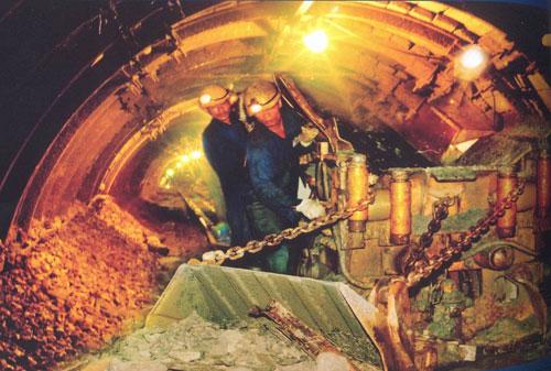 TKV: Thách thức bảo đảm nguồn than cho điện