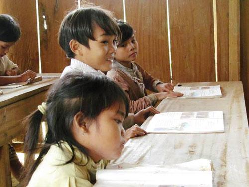 Lớp học gió lùa bên kỳ quan Sơn Đoòng