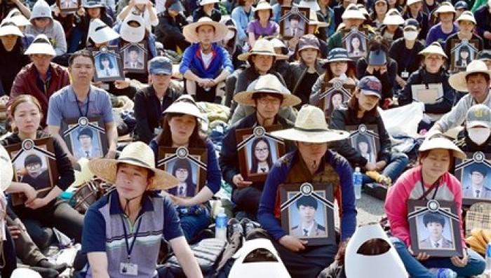 92 nạn nhân thiệt mạng vụ chìm phà Sewol bị gọi… nhập ngũ