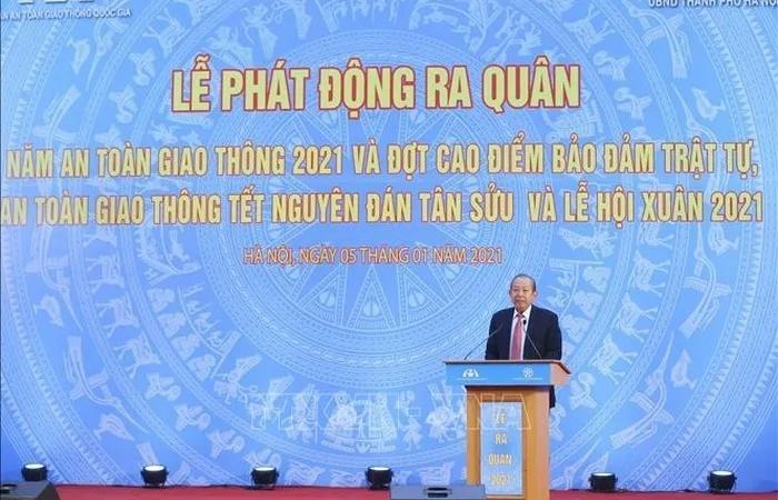 Phó Thủ tướng Trương Hòa Bình dự Lễ ra quân Năm an toàn giao thông 2021