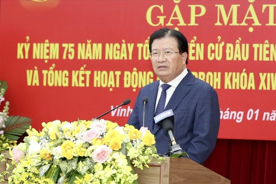 Phó Thủ tướng Trịnh Đình Dũng dự gặp mặt kỷ niệm Ngày Tổng tuyển cử đầu tiên