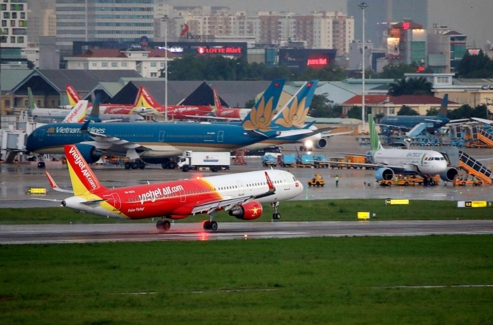 Hàng không tăng cường kiểm soát hành khách đến từ TP Hồ Chí Minh