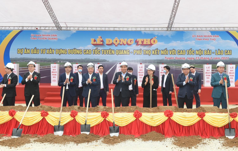Thủ tướng làm việc với lãnh đạo chủ chốt tỉnh Tuyên Quang
