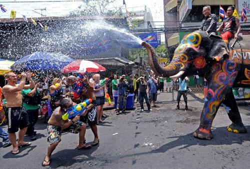 """Thái Lan """"loay hoay"""" bên bờ vực khủng hoảng năng lượng"""