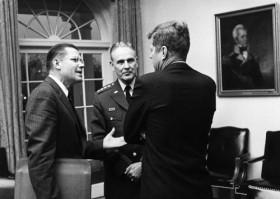 Hồ sơ chiến tranh Việt Nam: Ngoại giao Mỹ lấn sân CIA
