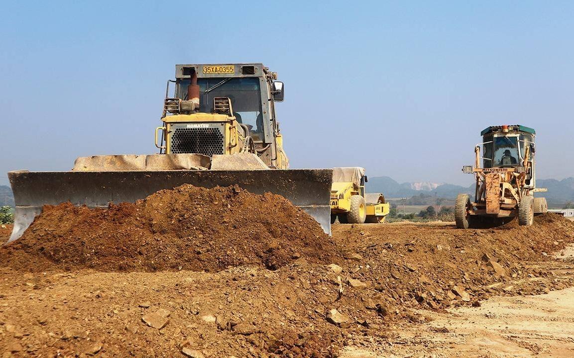 Thủ tướng chỉ đạo xử lý vấn đề thiếu nguồn vật liệu xây dựng cao tốc