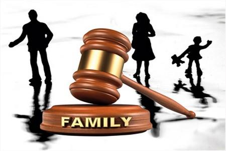 Cha mẹ kiện ra tòa để đuổi con gái 'ăn bám' khỏi nhà