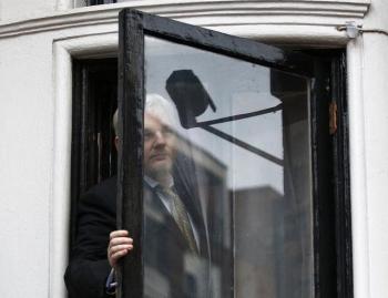 7 nam rong ta tuc trong dai su quan ecuador tai anh cua ong chu wikileaks