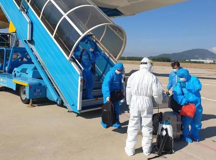 Thủ tướng ra công điện tăng cường quản lý các chuyến bay đưa người nhập cảnh Việt Nam