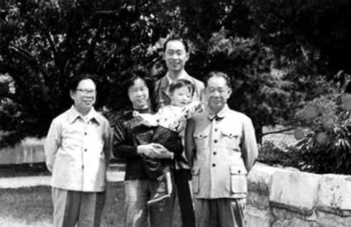 """Cái chết của ông Hồ Diệu Bang và """"sự kiện Thiên An Môn""""?"""