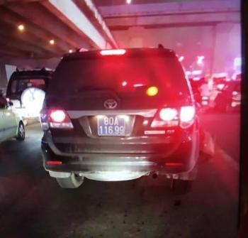 Vụ xe biển xanh tông bác xe ôm, bỏ trốn: Xe công an hoặc xe biển giả!