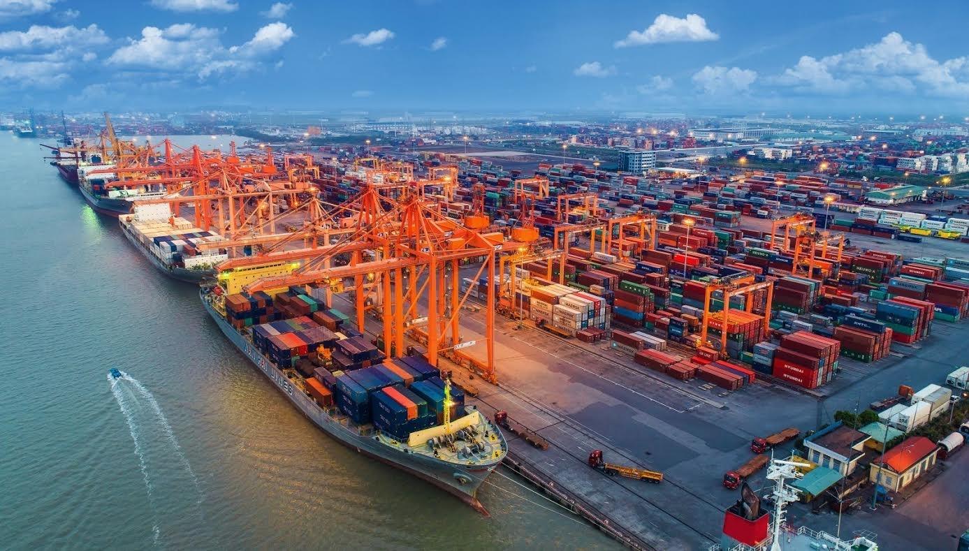 Tổng kim ngạch xuất nhập khẩu tháng 8/2021 giảm 5,8%