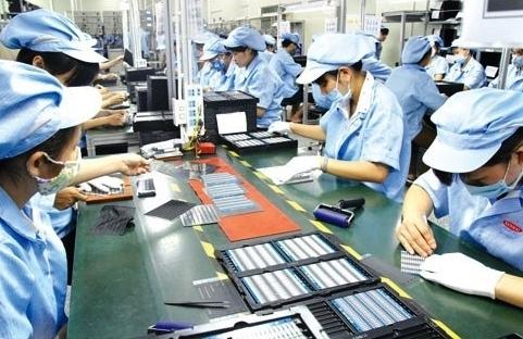 Cần có chính sách khuyến khích người lao động trở lại làm việc
