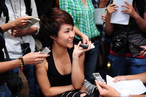 Lật tẩy bí mật hậu trường showbiz Việt