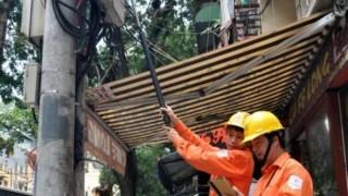 """[VIDEO] Dùng """"gậy tự sướng"""" đọc chỉ số công tơ điện"""
