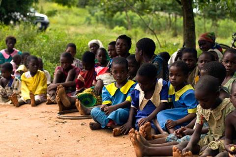 nghe quai dan o malawi pha trinh be gai
