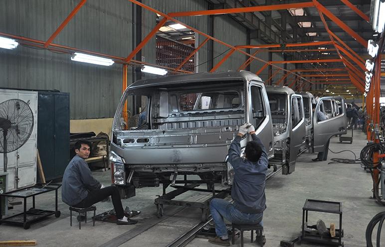Phát triển ngành công nghiệp ôtô- Cần giải pháp đồng bộ