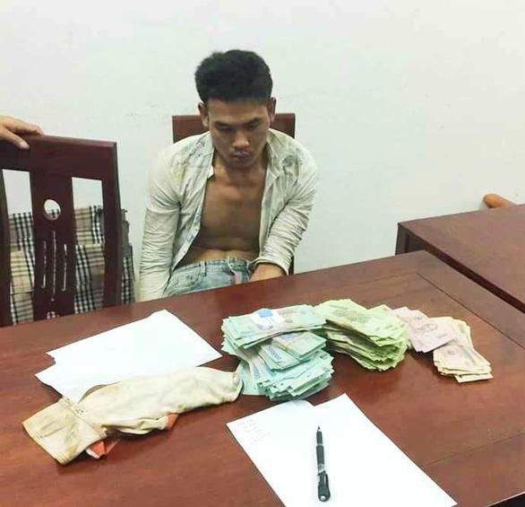 """Tin tức ANTT ngày 6/7: Phá ổ nhóm trộm cắp do """"nữ quái"""" bị truy nã cầm đầu"""