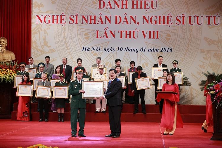 50 ca nhan duoc de nghi xet phong tang danh hieu nghe si nhan dan