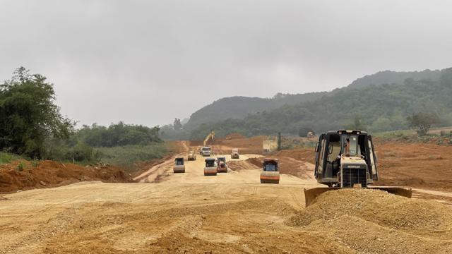 Rà soát các mỏ, bảo đảm đủ vật liệu thi công cao tốc Bắc - Nam phía Đông