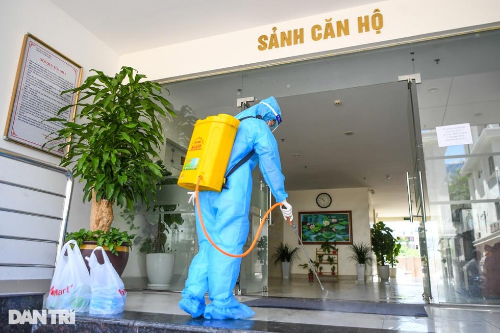Nhìn lại hơn 20 ngày Hà Nội đối đầu với sóng dịch Delta - 2