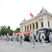 Nhìn lại hơn 20 ngày Hà Nội đối đầu với sóng dịch