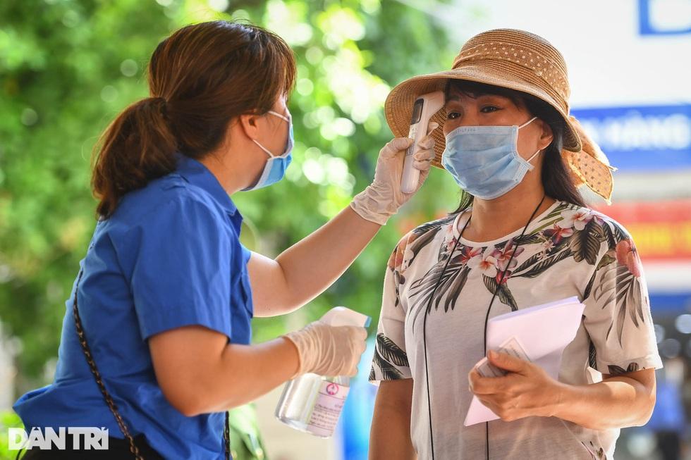 Nhìn lại hơn 20 ngày Hà Nội đối đầu với sóng dịch Delta - 19