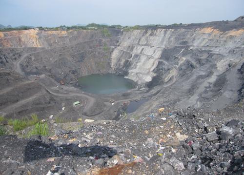 Vì mục tiêu khai thác 75 triệu tấn than