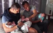 Cặp đồng tính nam đầu tiên trên thế giới sinh ba